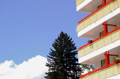 hotel, building, balcony, sky, tree, day, sunny, flowers, clouds, nori, hotel,shape, tree, brad, cer, blu, sky,