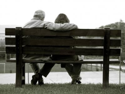 faithfull, old, couple, family, together, bench, outdoors, credinciosie, perseverenta, impreuna, familie, cuplu, banca, bench, park, love, feeling, waiting, embraced, tender, care,