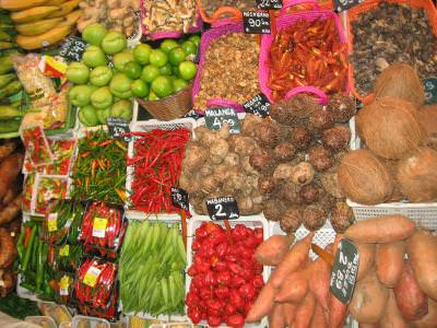 market, place, piata, agroalimentar, food, mancare, vegetables, zarzavaturi, fruits, fructe, eat, sustinence, chery, cirese, capsuni, strawberry