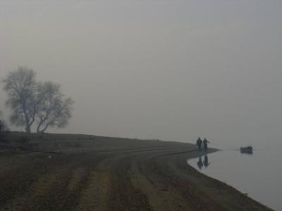 lake, water, blurry, diffuse, light, fogg, boat, men, pull, barbati, apa, lake, barca