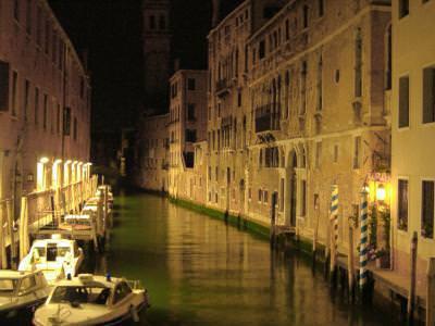 venice, italy, canal, water, old, buildings, love, night, lights, boats,  venentia, italia, apa, vechi, cladiri, iubire, noaptea, lumini, barci