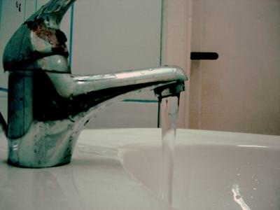 water, running, sink, chiuveta, pouring, falling, cold, h2o, bathroom, strange, colors, metaphor, visionary