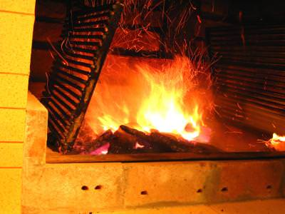 fire, foc, fireplace, logs, lemne, ars, arde, plasma, burning, burn, red, rosu, heat, caldura, cald, semineu,