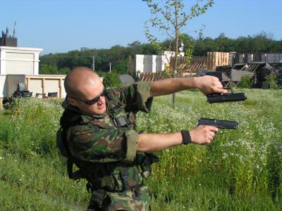 military, man, army, gun, action, armata, pistol, actiune