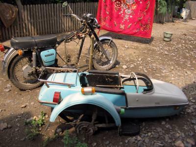 motocicleta, rugina, ruginita,vechi, defect, abandonat, fier,sat, atas, roata, ghidon, motor, engine, parts, wheel, iron, village, abandoned, rust, motorcycle