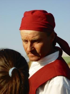 sat, delta, dunare, carutas, ascultand, rosu, listen, red, delta, danube, village, costume,