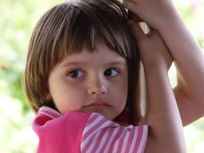 ochi, eyes, caprui, braun, portrait, portret, copil, child, fata, girl, innocence, children, girl, umbrella, beauy, beautiful, baby, , growing, up, hanging,