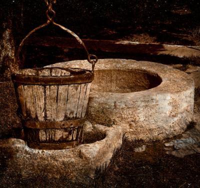 ciutura, fantana, fountain, water, apa, maro, colors, drink, wood, lemn, stone, piatra