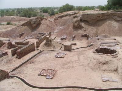 ruins, ruine, digging site, sapaturi, archeology, arheologie, sand, pamant