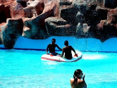 La Piscina, colac, Adaland-Turcia, pool, water, swiming, apa, inot, float, men, oameni, baie