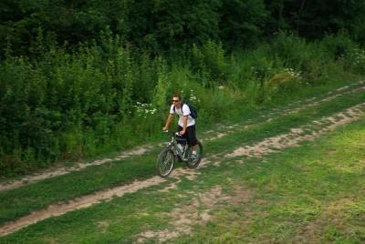 young, summer, green, pasture, fields, blue sky, sun glasses, snagov, caldarusani, bucharest, outdoor, fresh air, wild, green forrest, man, byke, run, bike, bicicleta, bycicle, effort, caldarusani, snagov, man, running,