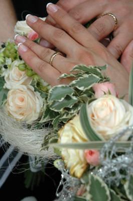 marriage, hands, wedding, flowers, bouquet, event, bride, groom, roses, trandafiri, casatorie, maini, flori, eveniment, mireasa, buchet,