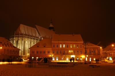 brasov, buildings, center, city, town, architecture, houses, winter, night, light, lumina, oras, arhitectura, oras, cladiri, , noapte, iarna,