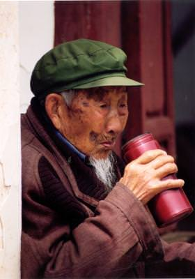 old, man, drinking, bautura, batran, tibetan, Chinese, elderly