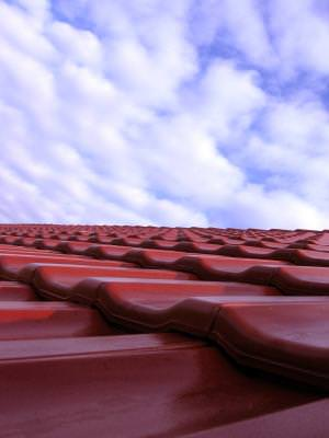 roof, top, sky, cer, blu, albastru, red, tigle, cover, house, casa, mansion, residence, living,
