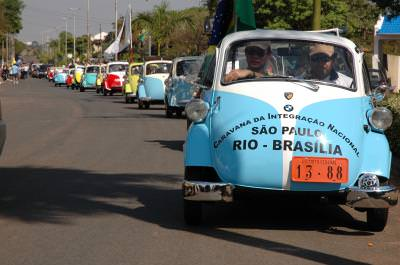 Isetta, Romi, Romi-Isetta, Romiseta, cars, road, succession, drivers, masini, drum, succesiune, conduce, soferi, sir
