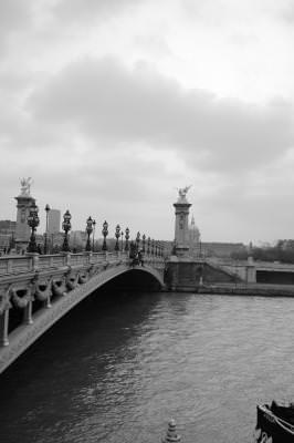 Paris, turnul Eiffel, tour effel, vedere, landscape, alb, negru, black, white, city, town, oras, love, dragoste, defence, sena, senne, river, bridge, pod, rau, apa