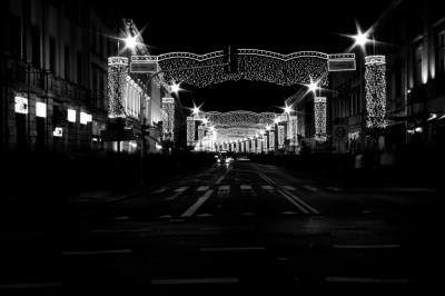 Building, Construction, Built, Structure, town, center, square, city, varsovia, lit, light, red, orange, colorsfull, colors, pavement, street, people, many, walking, animated, nigt, lit, lights,