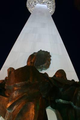 monument, revolution, square, night, heroes, shape, absolute, infinity, revolutie, piata, eroi, comemorativ, forma, memorial, noaptea
