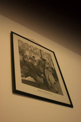 old, photo, picture, celebrity, Robert, Doisneau, framed, wall, angle, unghi, alb, negru