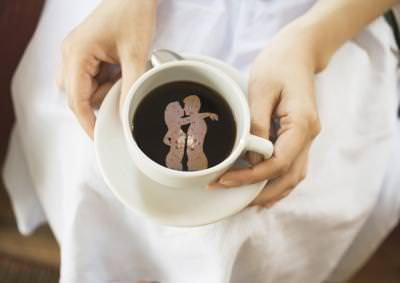 love, romance, coffee, couple, kiss, coffe, cafea, kiss, sarut, tender, amore, hands, maini, dress, hands, fingers, touch