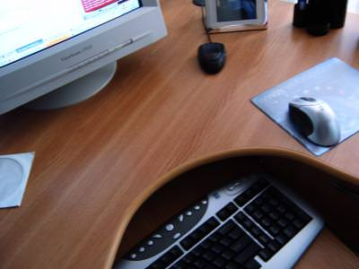 mouse, desk, birou, workplace, wood, lemn, monitor, keyboard, tastatura