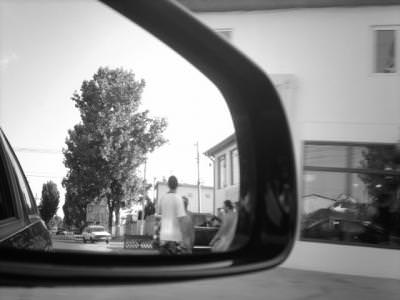 mirror, oglinda, black, white, reflection, reflexie, alb, negru, urban