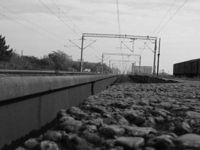 trains, station, travel, black, white, leave, rails, power, rocks, pietre, tren, gara,