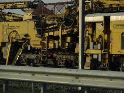 trains, station, travel, black, white, leave, rails, power, rocks, pietre, tren, gara, ac, macaz, change, route, wood, lemne, iron, hard, strong, rust