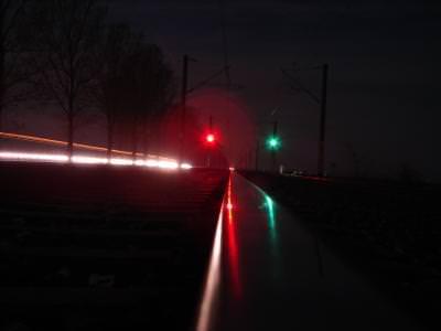trains, station, travel, black, white, leave, rails, power, rocks, pietre, tren, gara, ac, macaz, change, route, wood, lemne, iron, hard, strong, rust, night, lights, lumini, red, green, passing,