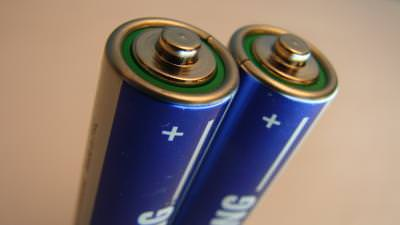 battery, acumulators, energy, power, supply, nimh, liion, saving, save, charge, discharge, units, putere, electricity, +, -, polarity, negative, positive, atract, magnetic, field, electric, electrons, neutrons, container, acumulator