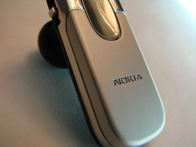 nokia, cell, phone, macro, closeup, picture, photo, imaege, call, dialogue, talk, conversation, blue, tooth, speaker, earpiece, listen, find, question, wireless, broadband, communication, telephone,