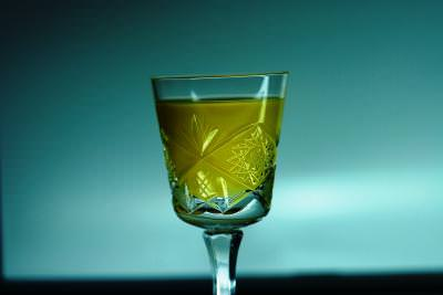 glass, macro, drink, green, zellow, low, light, lumina, slaba, cristal, bautura, fine, liquid, recipient, thirsty,